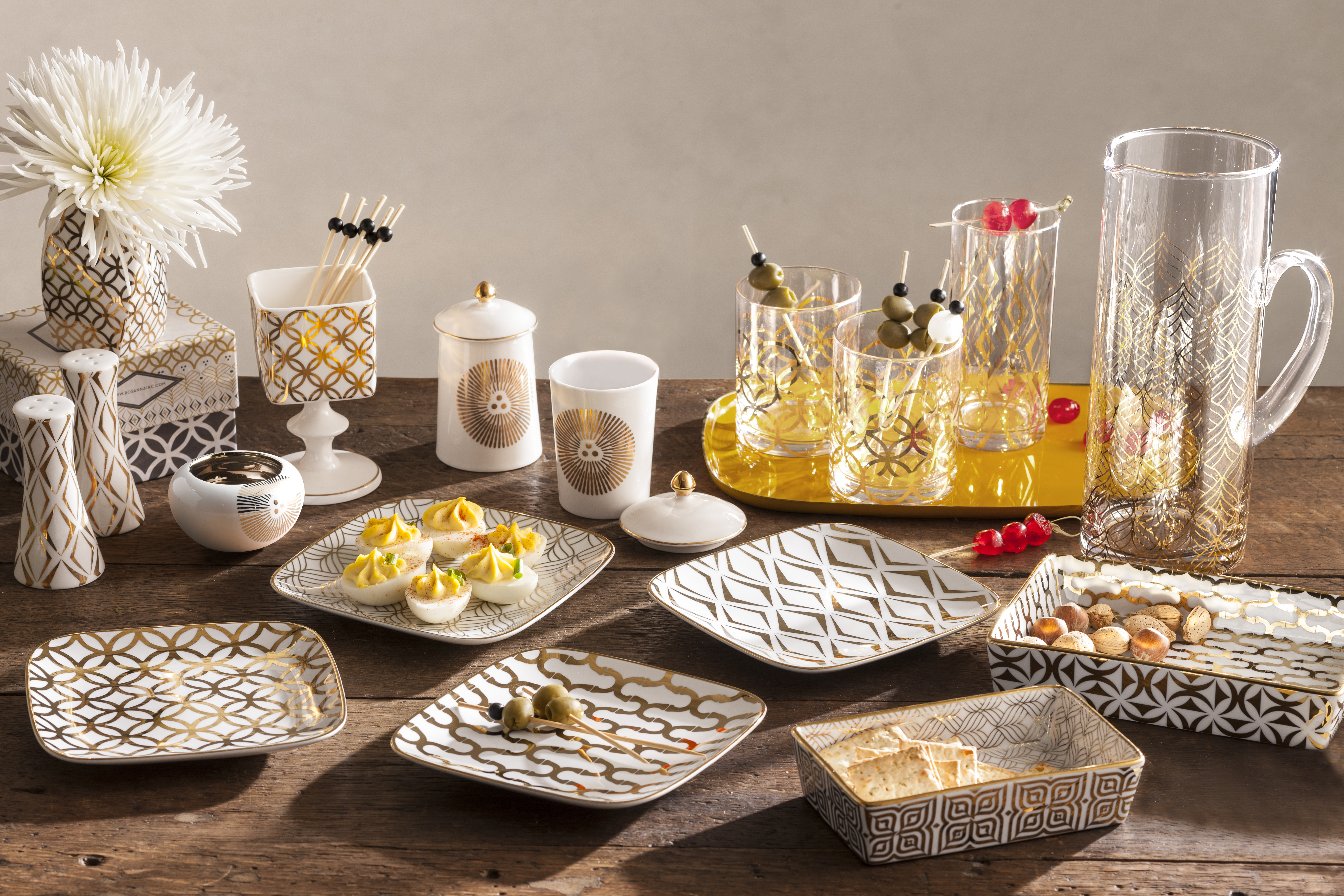 Home Entertaining metallics dress the table for home entertaining | kitchenware news